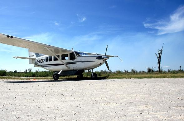 Light aircraft flight into the Makgadikgadi Pans.