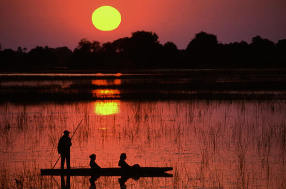 Mokoro sunset in Okavango. Lee Kemp